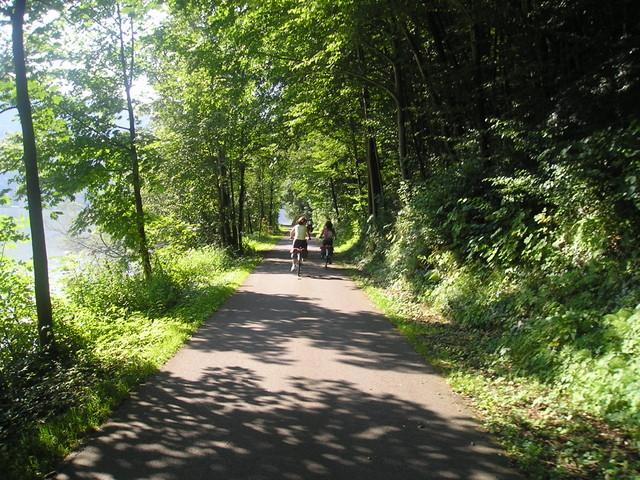 Regina y Flori en la ruta a Linz
